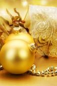 christmas_ornament-640x960