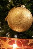 christmas_ornament_2-640x960