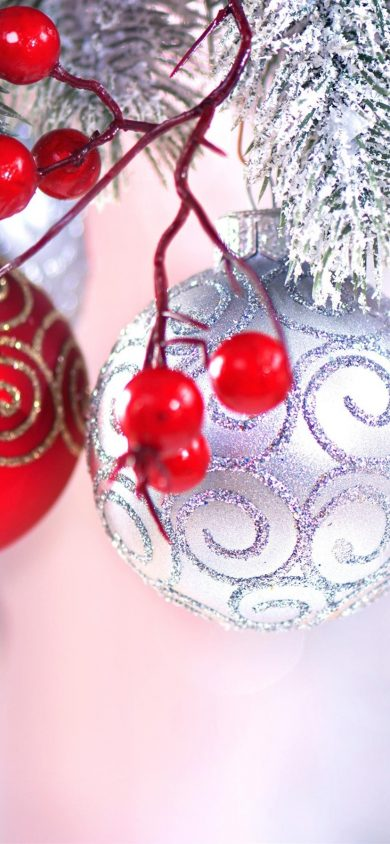 Red berries Christmas balls wallpaper for iphone xr 828x1792